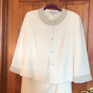 2 piece Tahari suit; white,size12